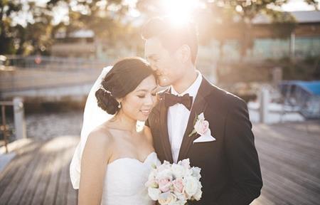 Sau 3 năm yêu đương, Timothy đưa Candice về nơi đầu tiên gặp mặt và ngỏ lời cầu hôn