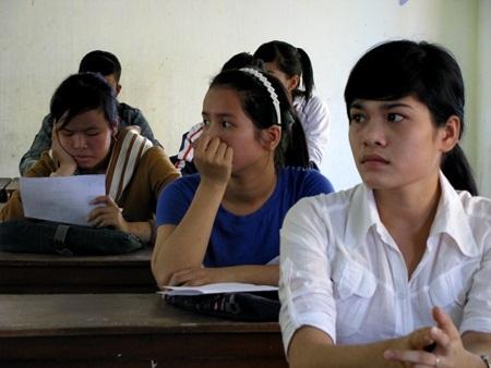 Thí sinh căng thẳng và hụt hẫng vào ngành yêu thích vì tiêu chí phụ và làm tròn điểm thi xét tuyển của các trường đại học (ảnh minh họa)
