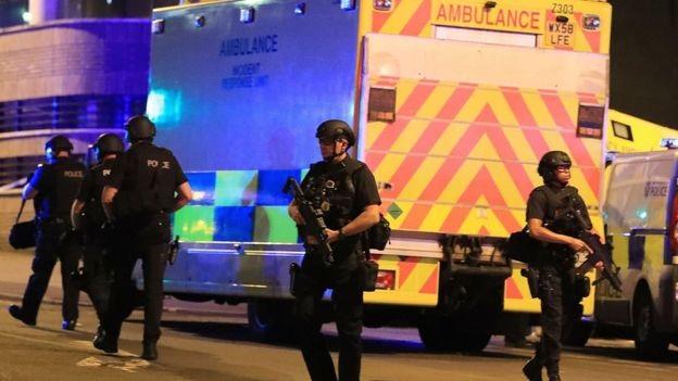 Hiện trường vụ nổ được phong tỏa, người dân được khuyến cáo nhanh chóng rời khu vực. (Ảnh: BBC)