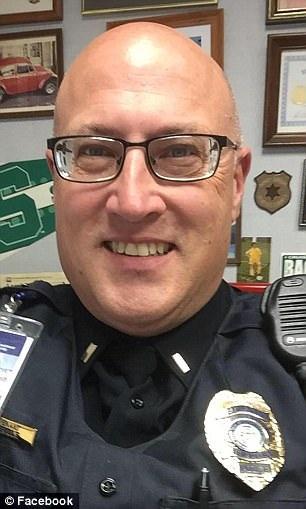 Cảnh sát Jeff Neville (Ảnh: Facebook)
