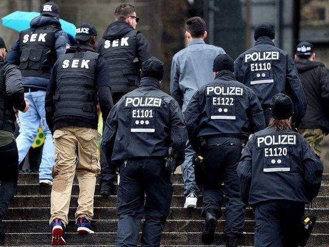 Cảnh sát Đức làm nhiệm vụ. (Ảnh: Getty)