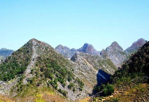 Vẻ đẹp hùng vĩ của vùng cao nguyên đá