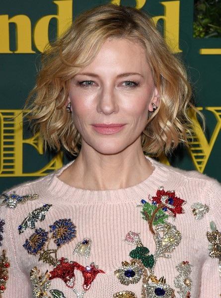 Ngôi sao người Úc là một trong những sao nữ Hollywood sở hữu làn da đẹp nhất ở tuổi U50