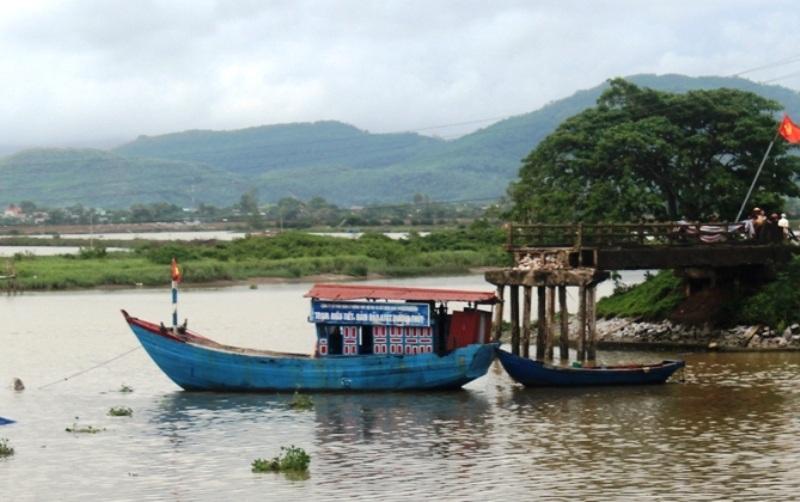 Phát hiện cầu sông Hoàng bị sập và một tàu cát bị chìm - 6