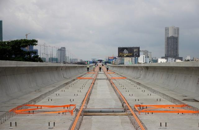 TPHCM hợp long thành công cầu vượt sông Sài Gòn của tuyến metro Bến Thành - Suối Tiên (ảnh: Quốc Anh)