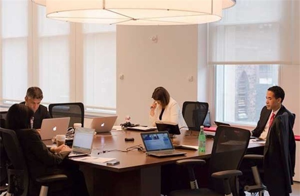 Xử lý thế nào khi nhân viên công khai chỉ trích CEO? - 1