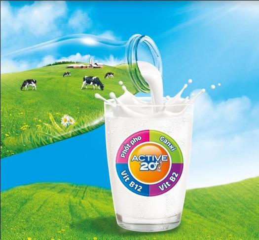 Sữa Cô Gái Hà Lan Active 20+™ sử dụng hoàn toàn sữa tươi thơm ngon giúp các gia đình luôn tràn đầy năng lượng để khám phá mùa hè