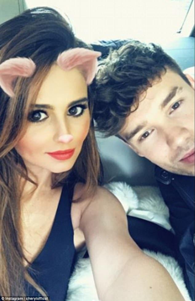 Liam Payne và Cheryl hẹn hò từ đầu năm 2016 sau khi Cheryl ly dị người chồng thứ 2 được ít tháng