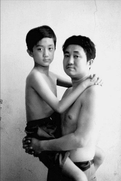 Năm 1996, cậu bé Tian Li đã trở nên trưởng thành hơn