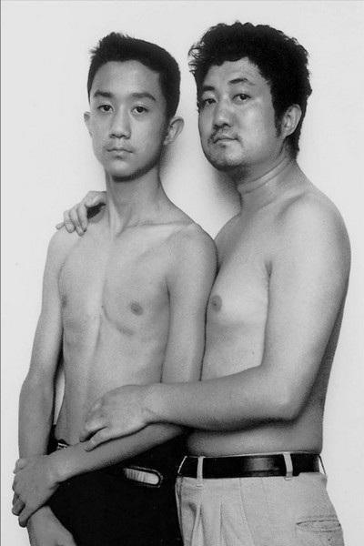 Năm 1999, cậu bé Tian Li mới 13 tuổi nhưng đã ra dáng của một thanh niên