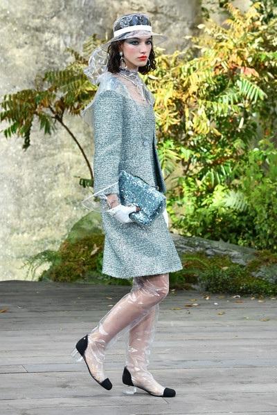 Bất chấp những lời khen chê, Chanel vẫn là thương hiệu thời trang đình đám thế giới