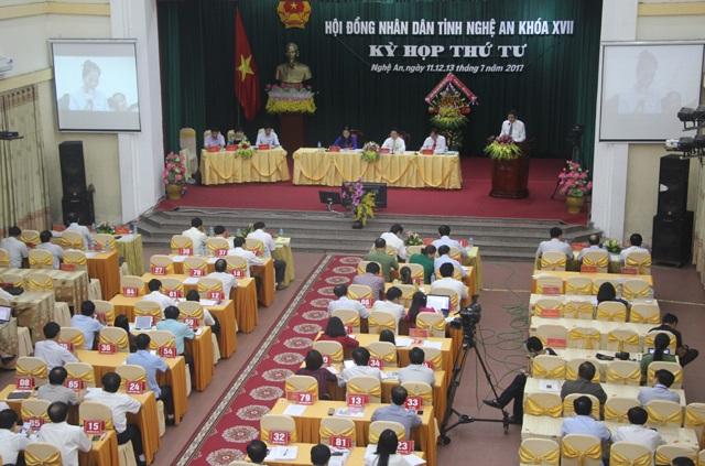 Toàn cảnh phiên chất vấn lãnh đạo Sở NN&PTNT Nghệ An về vấn đề đầu ra cho nông sản