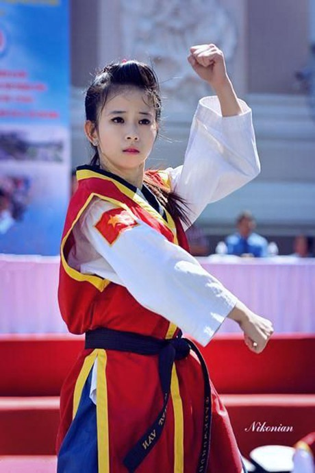 Châu Tuyết Vân năm 2013, khi cô mới được cộng đồng giới trẻ biết tới.