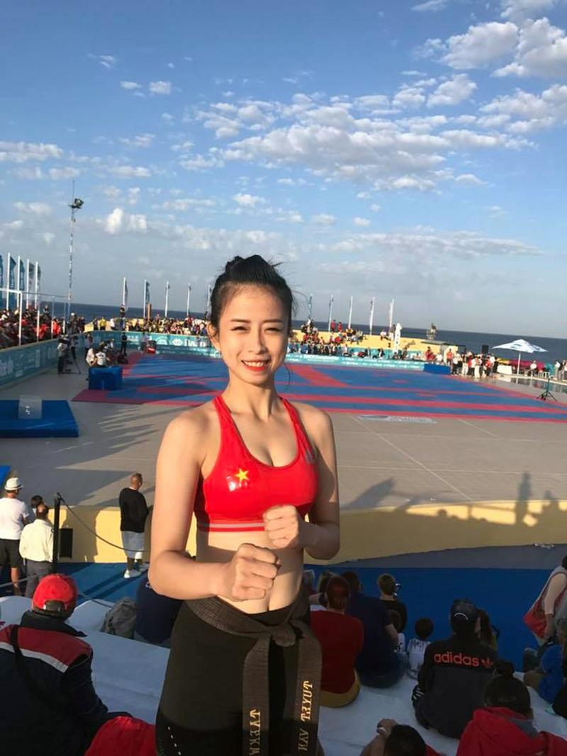 Hotgirl làng võ Châu Tuyết Vân diện bikini khoe dáng ở