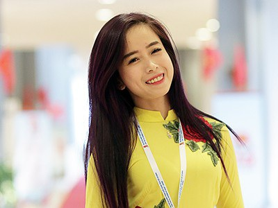 Hoa khôi làng võ Châu Tuyết Vân diện bikini khoe dáng gợi