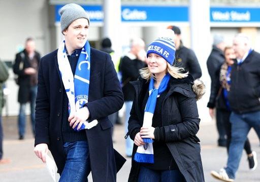 Cổ động viên Chelsea tới Stamford Bridge theo dõi trận đấu giữa Chelsea và Stoke