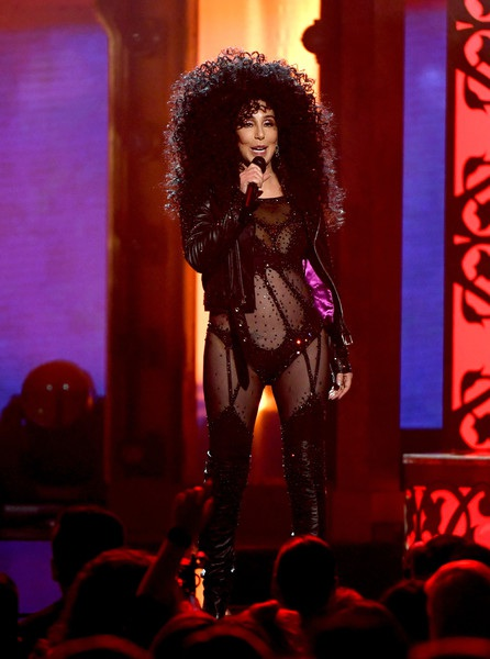 Mới đây khi trả lời phỏng vấn, Cher chia sẻ thẳng thắn rằng bà không hề thích âm nhạc của chính mình