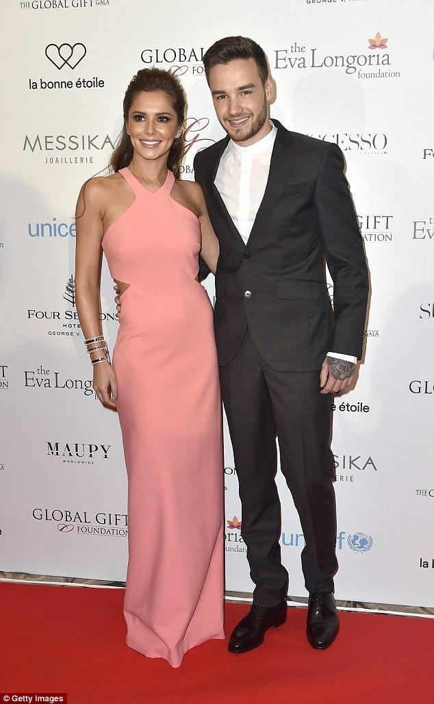 Cheryl và Liam công khai hò hẹn vào cuối năm 2015.