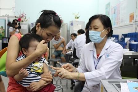 Bên cạnh diệt muỗi, phòng muỗi đốt, chích ngừa là giải pháp hiệu quả tránh nguy cơ mắc viêm não Nhật Bản