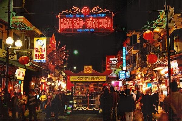 Du lịch Việt Nam qua những khu chợ đêm nổi tiếng | Báo Dân trí