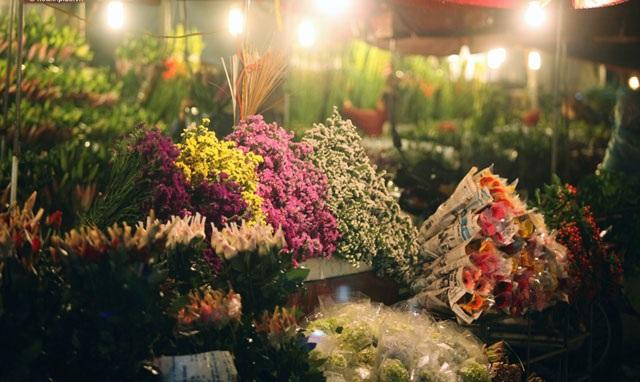 Du lịch Việt Nam qua những khu chợ đêm nổi tiếng - 2