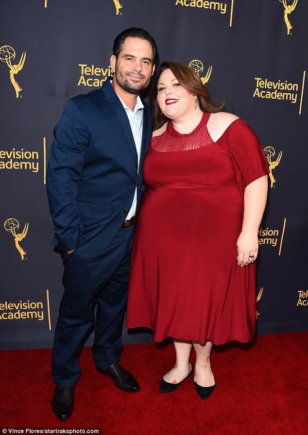 Nữ diễn viên Chrissy Metz hạnh phúc sánh đôi bạn trai Josh Stancil dự sự kiện tại Los Angeles ngày 29/6 vừa qua