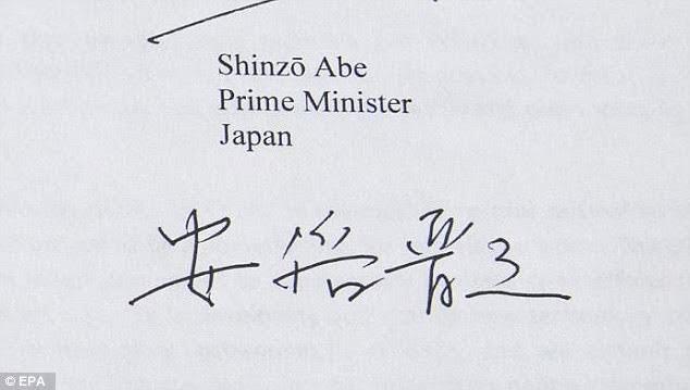 """""""Soi"""" chữ ký của các nguyên thủ G7 - 9"""