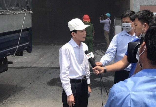Ông Võ Thành Thống - Chủ tịch UNBD TP Cần Thơ có mặt tại hiện trường để chỉ đạo công tác chữa cháy, cứu nạn.