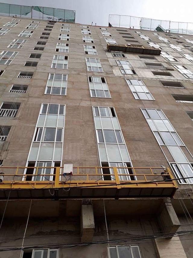 Chủ đầu tư đã vượt rào thi công sai phạm khi tăng 2.197,23m2 sàn xây dựng và 28 căn hộ so với quyết định phê duyệt (Ảnh: Trung Kiên)