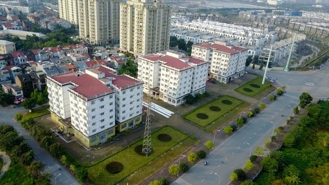 Ba tòa chung cư ở khu đô thị Sài Đồng trước đề xuất phá bỏ (Ảnh: Toàn Vũ)