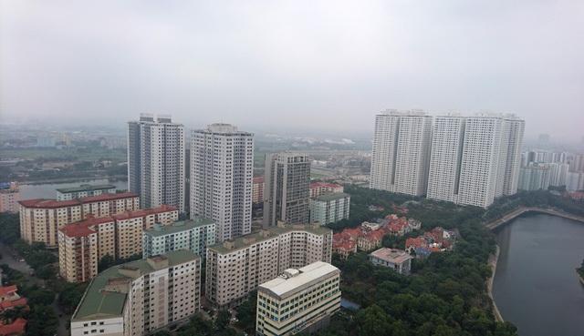 Các tòa nhà VP3, VP5 cao ngất ngưởng trong bán đảo Linh Đàm