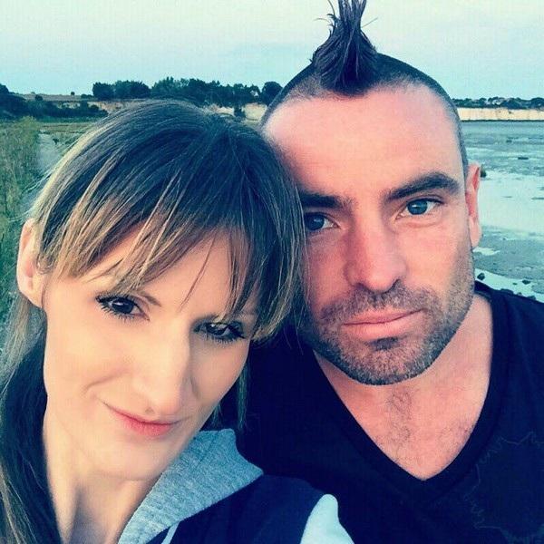 Vikkie Kenward và chồng sắp cưới Ty Smith khi cả hai còn hạnh phúc