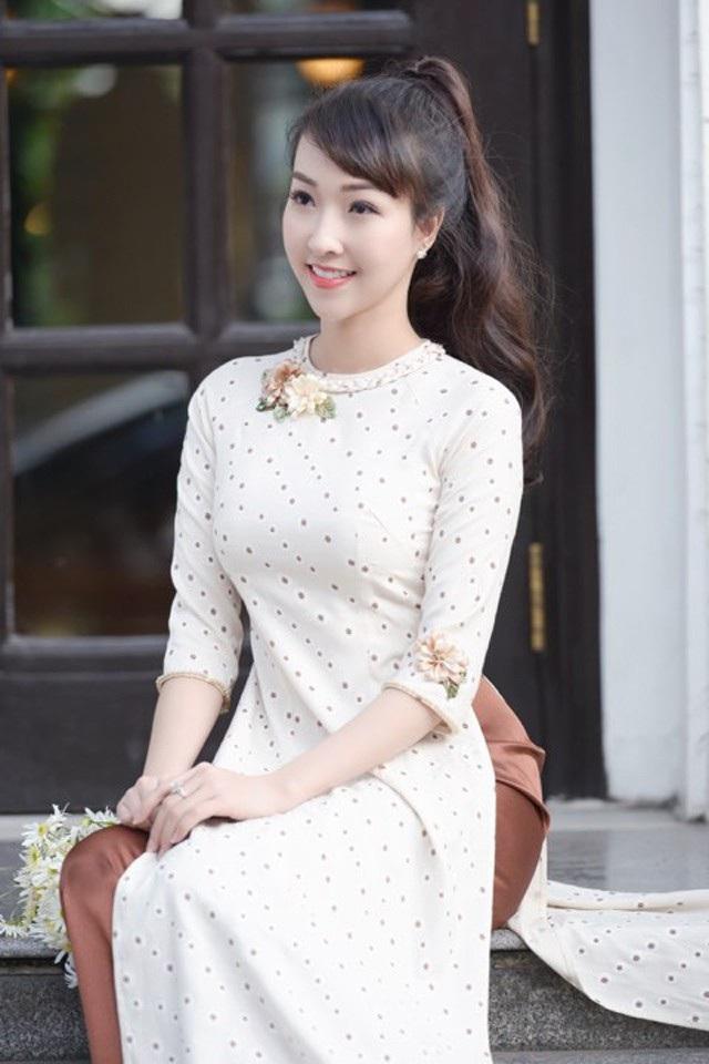 """Diễn viên trẻ Kiều Nhi hóa """"Cô Ba Sài Gòn"""" với tà áo dài phong cách thập niên 60 - 11"""