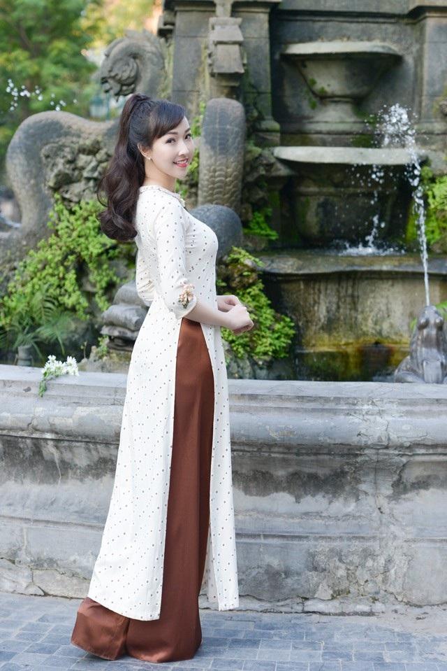 """Diễn viên trẻ Kiều Nhi hóa """"Cô Ba Sài Gòn"""" với tà áo dài phong cách thập niên 60 - 10"""