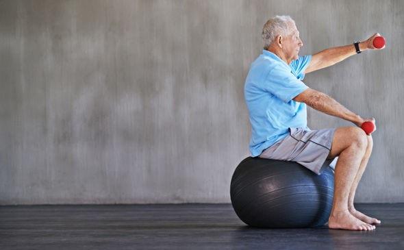Chỉ cần làm điều này thêm 6 phút mỗi ngày để chống mất cơ bắp - 2