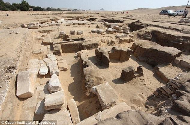 Tàn tích của một ngôi đền cổ thuộc thời kỳ Pharaoh Ramses II. (Nguồn: dailymail.co.uk)