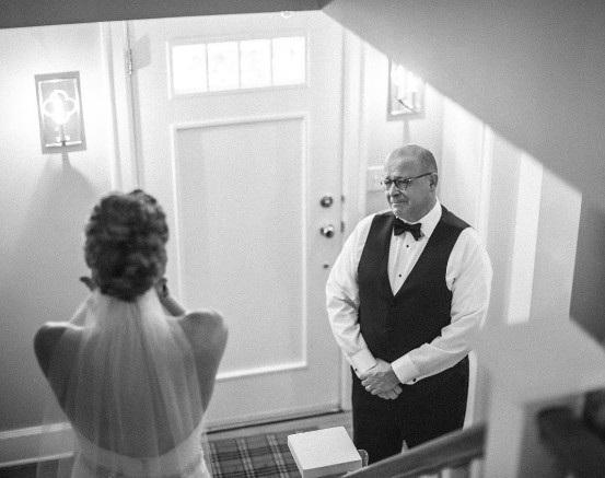 Cảm xúc của cha lần đầu nhìn con gái trong chiếc áo cô dâu - 4