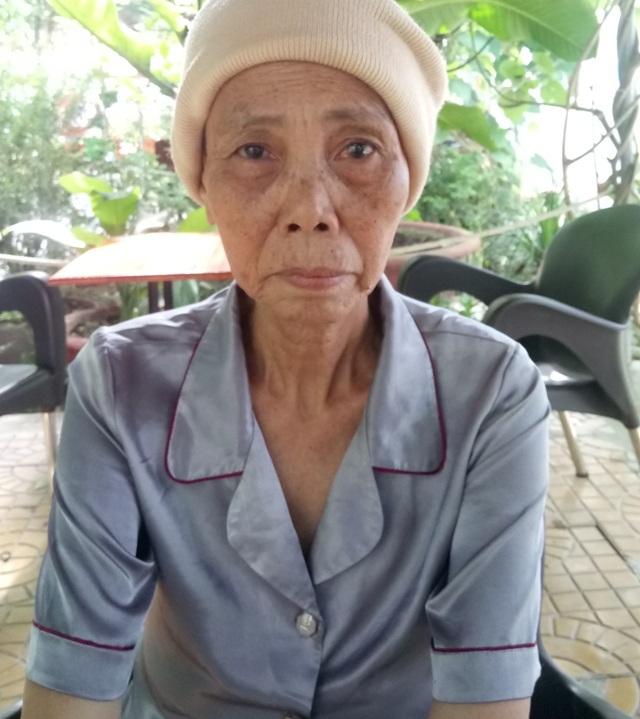 Cô Lê Thị Trưởng hiện nay bị bệnh tật hoành hành, đang rất cần những khoản tiền chế độ để chăm lo cuộc sống.
