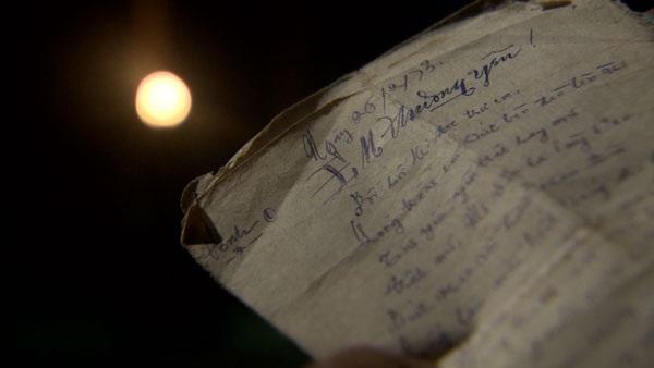 .... nhờ vào 4 lá thư của người yêu đã mất
