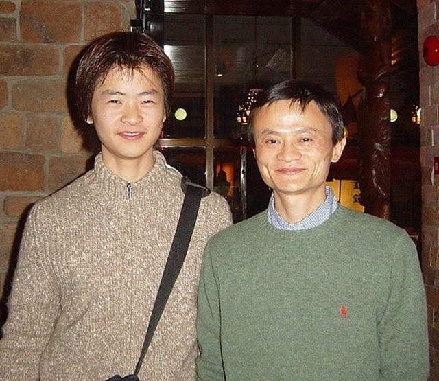 Ảnh Jack Ma chụp cùng con trai được đăng tải vào năm 2005.