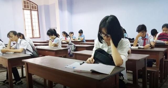 Thí sinh dự thi vào lớp 10 ở tỉnh Thừa Thiên Huế