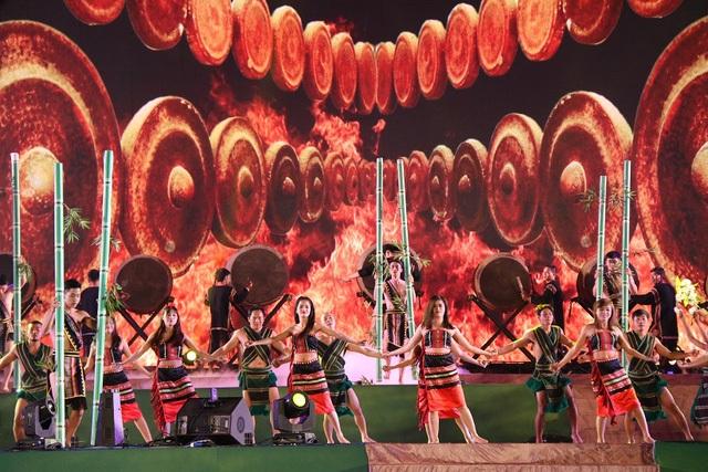 Các đêm biểu diễn Cồng chiêng nhằm thu hút khách du lịch