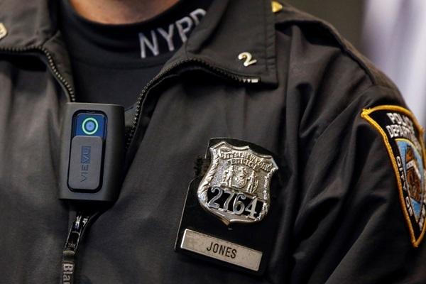 """Camera """"mắt thần"""" sẽ được trang bị trên cảnh phục của cảnh sát."""