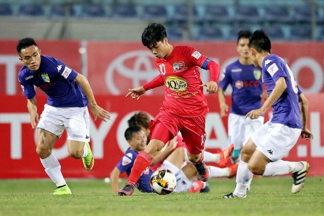 Công Phượng toả sáng, giúp HA Gia Lai có chiến thắng đầu tiên tại V-League 2017 (ảnh: Gia Hưng)