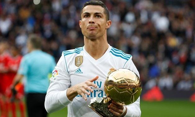 C.Ronaldo đã gặt hái mọi danh hiệu cá nhân cao quý trong năm 2017. Đáng tiếc, cầu thủ này đã thi đấu không thành công ở La Liga (mới chỉ có 4 bàn tính tới thời điểm này). Do đó, anh đã không thể vượt lên dẫn đầu về bàn thắng trong năm 2017.