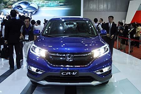 Năm 2017, giá xe CR-V có mức giảm chưa từng có trong lịch sử Honda Việt Nam (Ảnh: Việt Hưng)