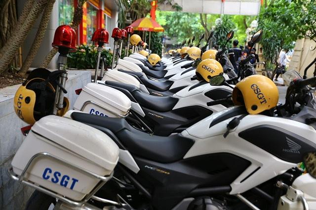 """Dàn xe """"đặc chủng"""" của CSGT Hà Nội dẫn các đoàn nguyên thủ dự APEC - 5"""