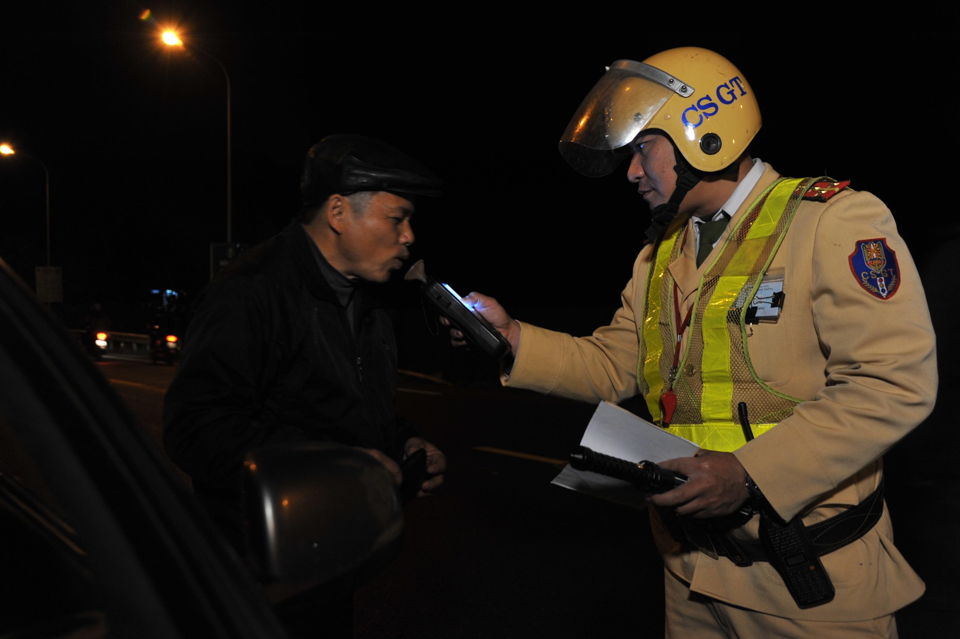 Mỗi lần vi phạm giao thông, tài xế sẽ bị... trừ điểm trên bằng lái? - 1