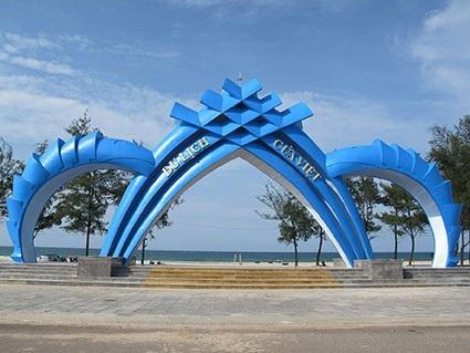 Biển Cửa Việt cũng là điểm nghỉ mát thú vị ngày hè