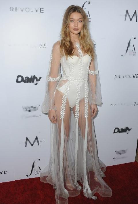 Gigi Hadid đẹp như công chúa trong chiếc váy trắng của Yanina Couture